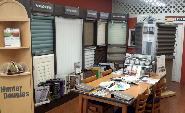 Hunter Douglas Showroom, Red Star